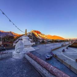 布达拉宫药王山观景台
